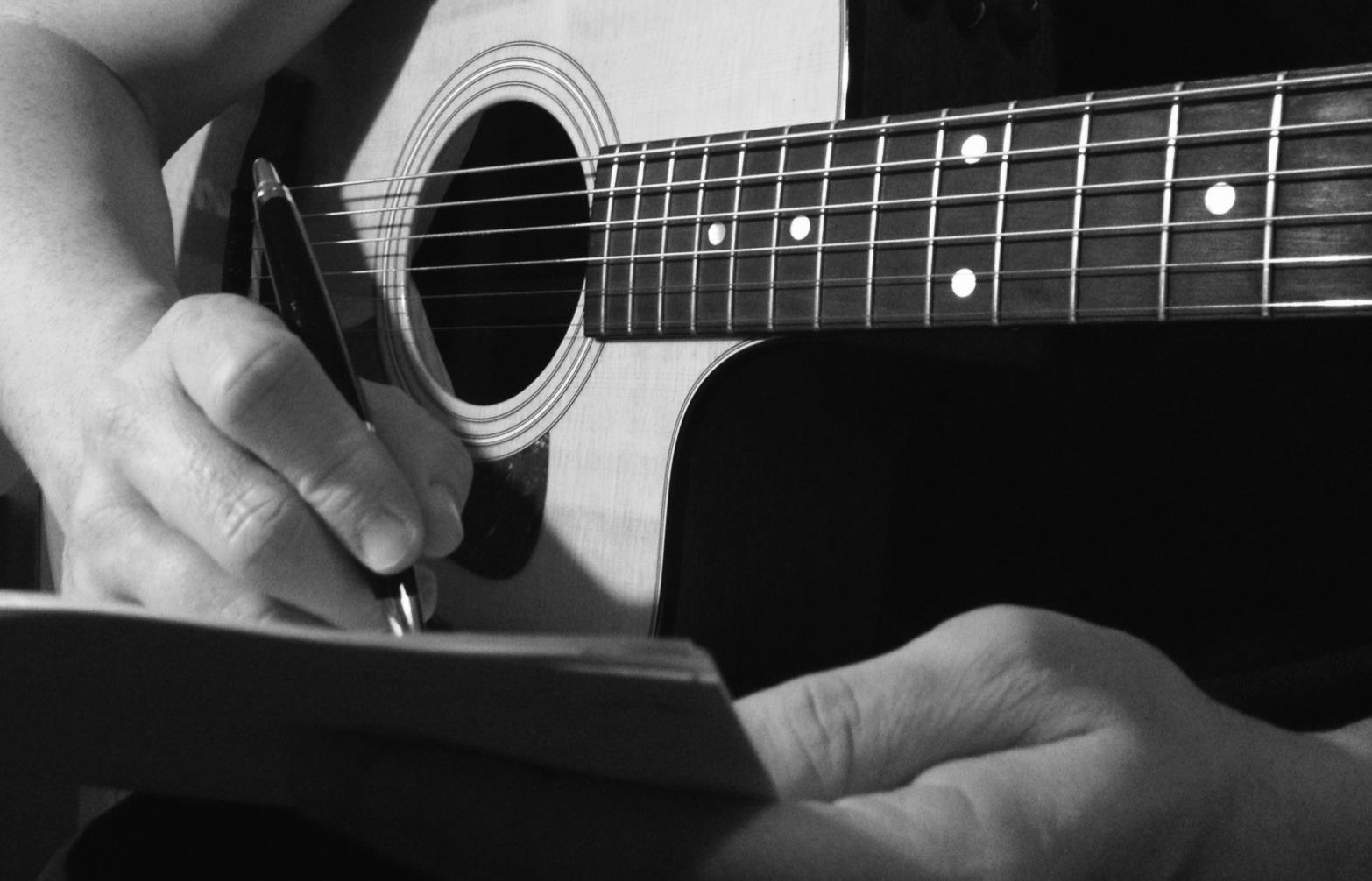 pietro-cirillo-officine-popolari-lucane-chitarra